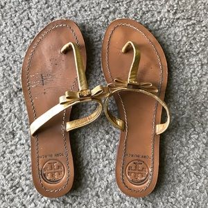 Tory Burch sandals Sz 6 gold flip flops